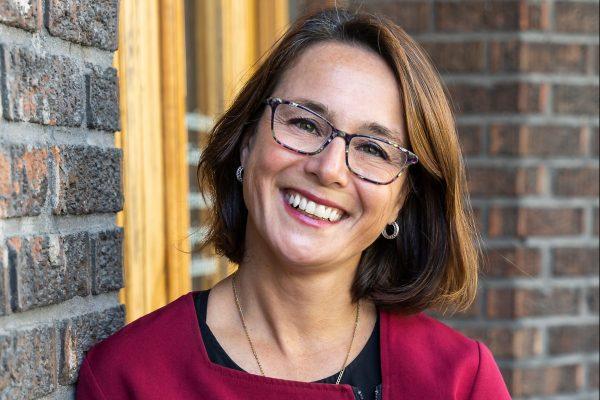 Dra Huguette Harton, DMD